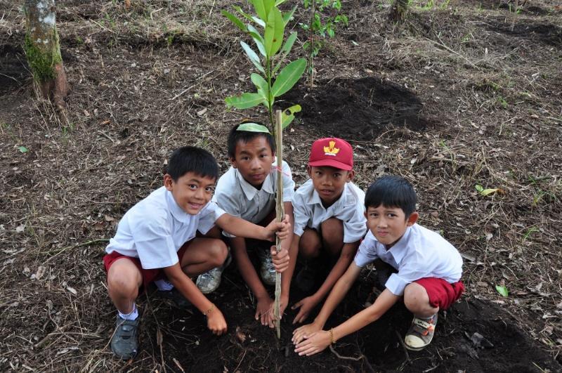 Hari Anak Nasional Anak Indonesia Anak Genius Gesit Empati Berani