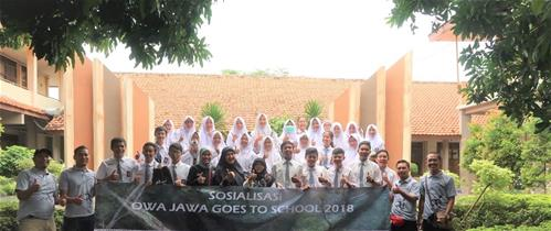 Sosialisasi Owa Jawa Goes To School